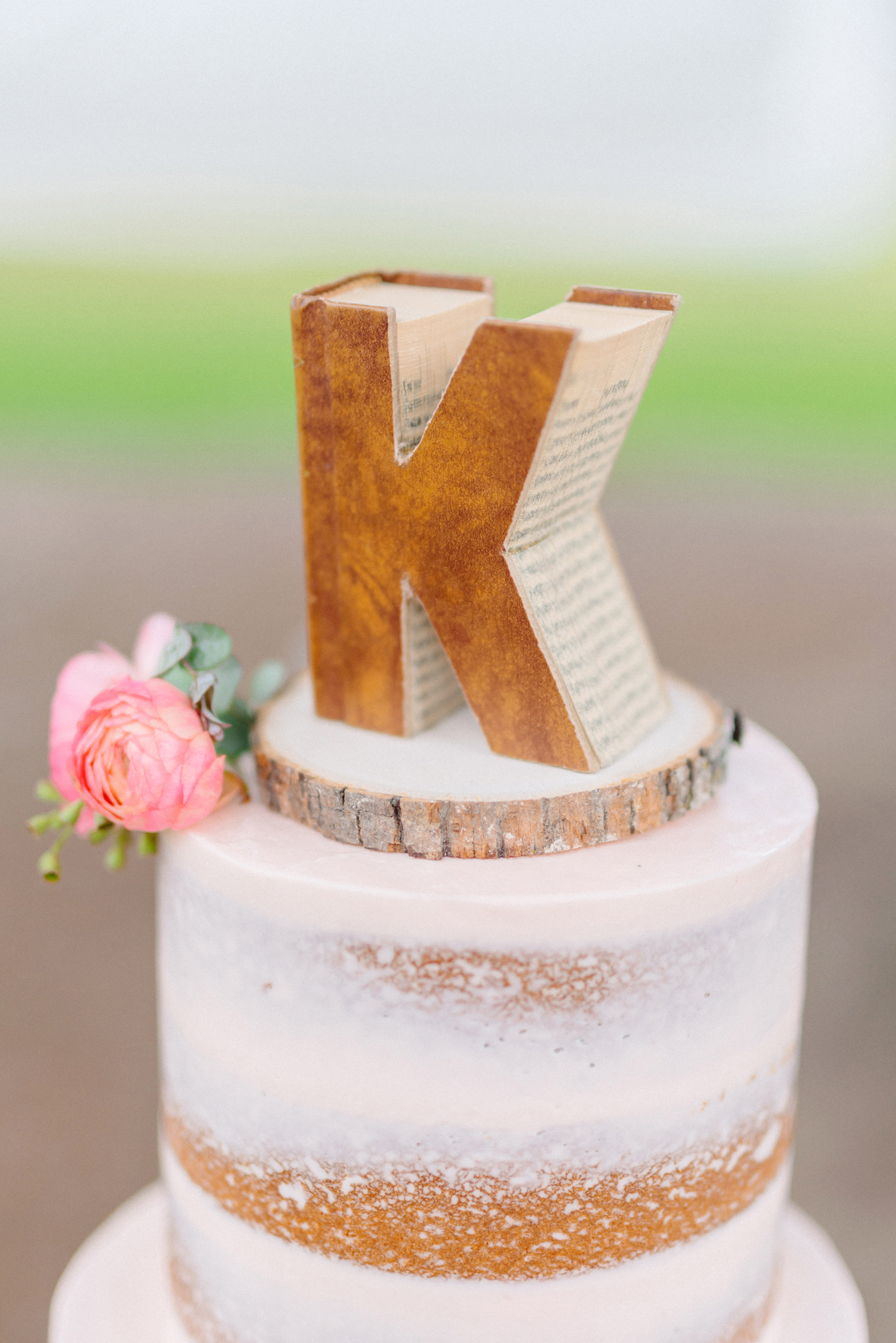 monogram,vintage,cake-topper,rustic,country,ranch,semi-naked,wedding,cake,blush,pink